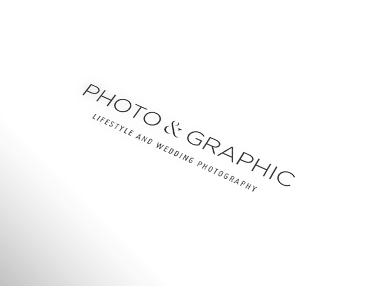 PHOTO & GRAPHIC